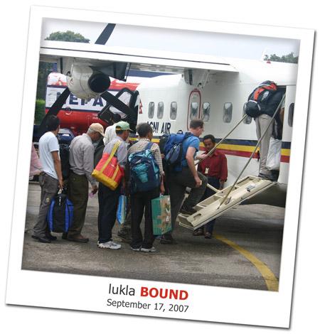 2007.09.17 Lukla Bound